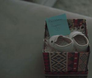 """Arthur Aguiar e Mayra Cardi anunciaram que serão pais no clipe de """"Maior Presente Que Deus Me Deu"""""""