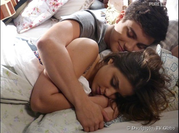 "Alerta de casal! Jeff (Cadu Libonati) e Mari (Maria Luiza) passam noite fofa juntos, em ""Malhação"""