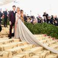 Shawn Mendes garante que não foi para o MET Gala com Hailey Baldwin como casal