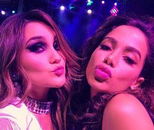 Anitta e Dulce Maria aparecem mais uma vez juntas em foto e deixam os fãs malucos