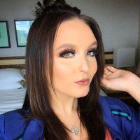 """Larissa Manoela faz piada com aparência em recado para haters: """"Cuidando da testa alheia"""""""
