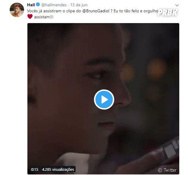 """Hall Mendes, que também fez """"Malhação"""" com de Bruno Gadiol, compartilhou o orgulho do amigo em seu Twitter"""