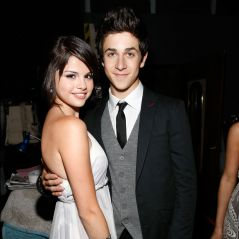 """Selena Gomez e David Henrie, de """"Os Feiticeiros de Waverly Place"""", são vistos juntos na Itália!"""