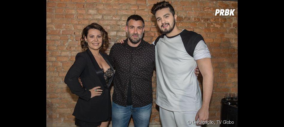 """Luan Santana e Fernanda Souza posam com Raoni Carneiro, diretor do """"Só Toca Top"""""""