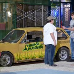 """Na novela """"Malhação"""": Pedro se declara para Karina com um carro de pamonha"""