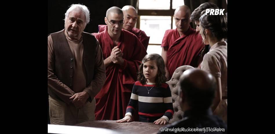 """Pérola (Mel Maia) tem como missão juntas a família de seu pai e sua mãe com a ajuda dos monges em """"Joia Rara"""""""