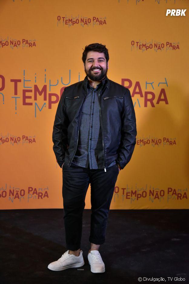 """Em """"O Tempo Não Para"""", Igor (Leo Bahia) seria de Libra"""