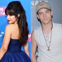 Camila Cabello e Dylan Sprouse posam juntos para projeto secreto