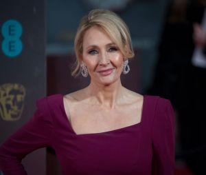 """J.K. Rowling rebate críticas de que teria sido racista ao escolher atriz que irá interpretar Nagini em """"Animais Fantásticos: Os Crimes de Grindewald"""""""