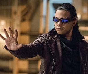 """Em """"The Flash"""": Cisco (Carlos Valdes) tem fim trágico anunciado em novo teaser!"""