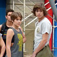 """Novela """"Malhação"""": Pedro e Karina namoram e o menino se sente culpado"""