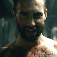 Adam Levine aparece pelado e em cenas ousadas no novo clipe do Maroon 5!