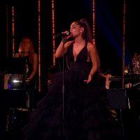"""Ariana Grande solta a voz em performance de """"God Is A Woman"""" para o especial da BBC. Veja!"""