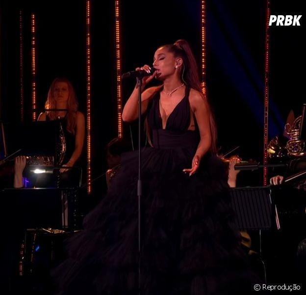 """Veja Ariana Grande cantando """"God Is A Woman"""" no especial da BBC"""