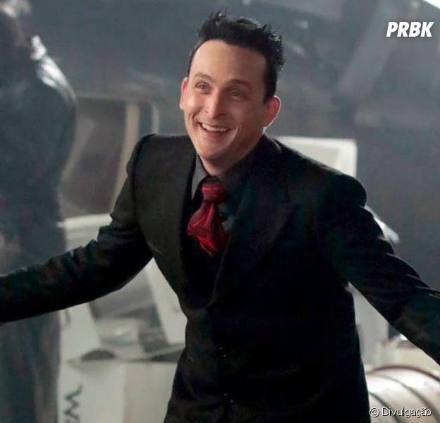 """Em """"Gotham"""", personagem importante morre nas mãos de outro vilão"""