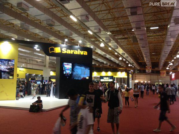 A Saraiva tem estande com venda de jogos na BGS 2014