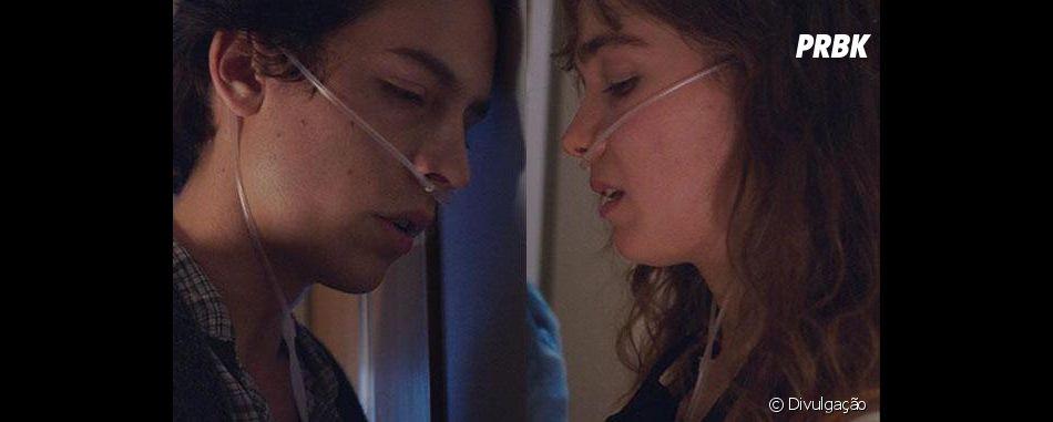 """Em """"A Cinco Passos de Você"""", saúde de Stella (Haley Lu Richardson) passa por alguns problemas maiores depois de alguns acontecimentos ao lado de Will (Cole Sprouse)"""