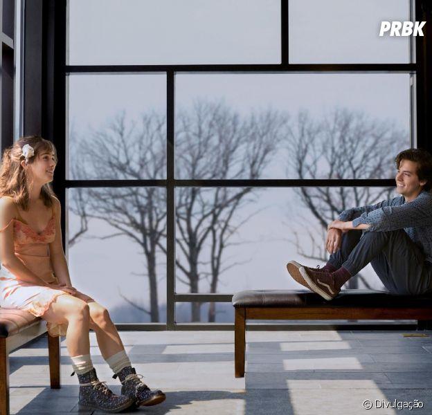 """""""A Cinco Passos de Você"""", novo filme de Cole Sprouse, tem uma história bem parecida com """"A Culpa é das Estrelas"""""""