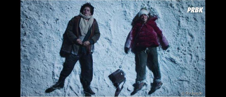 """Em """"A Cinco Passos de Você"""", Will (Cole Sprouse) começa a """"ajudar"""" Stella (Haley Lu Richardson) a aproveitar a vida"""