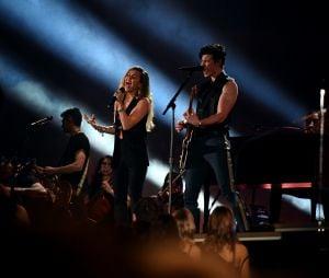 "No Grammy 2019, Miley Cyrus e Shawn Mendes cantaram ""In My Blood"" juntos!"