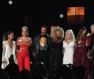 No Grammy 2019, Dolly Parton recebeu vários artistas durante sua homenagem