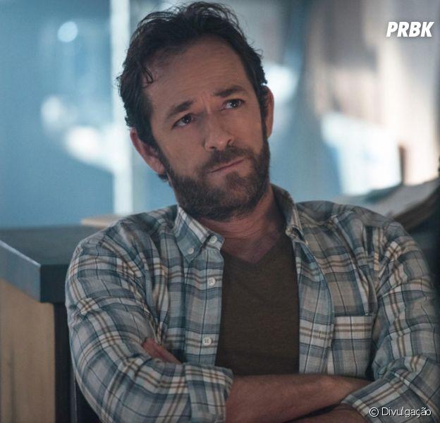 """De """"Riverdale': gravações são suspensas após morte de Luke Perry"""