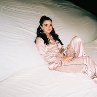 """OMG! O vídeo da nova música da Selena Gomez, """"I Can't Get Enough"""", já está entre nós"""