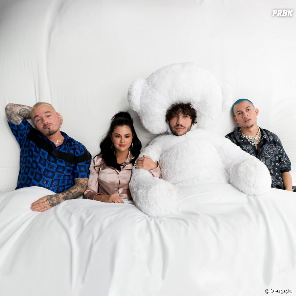 """Benny Blanco, Tainy, Selena Gomez e J Balvin fazem uma verdadeira festa do pijama no clipe de """"I Can't Get Enough"""""""