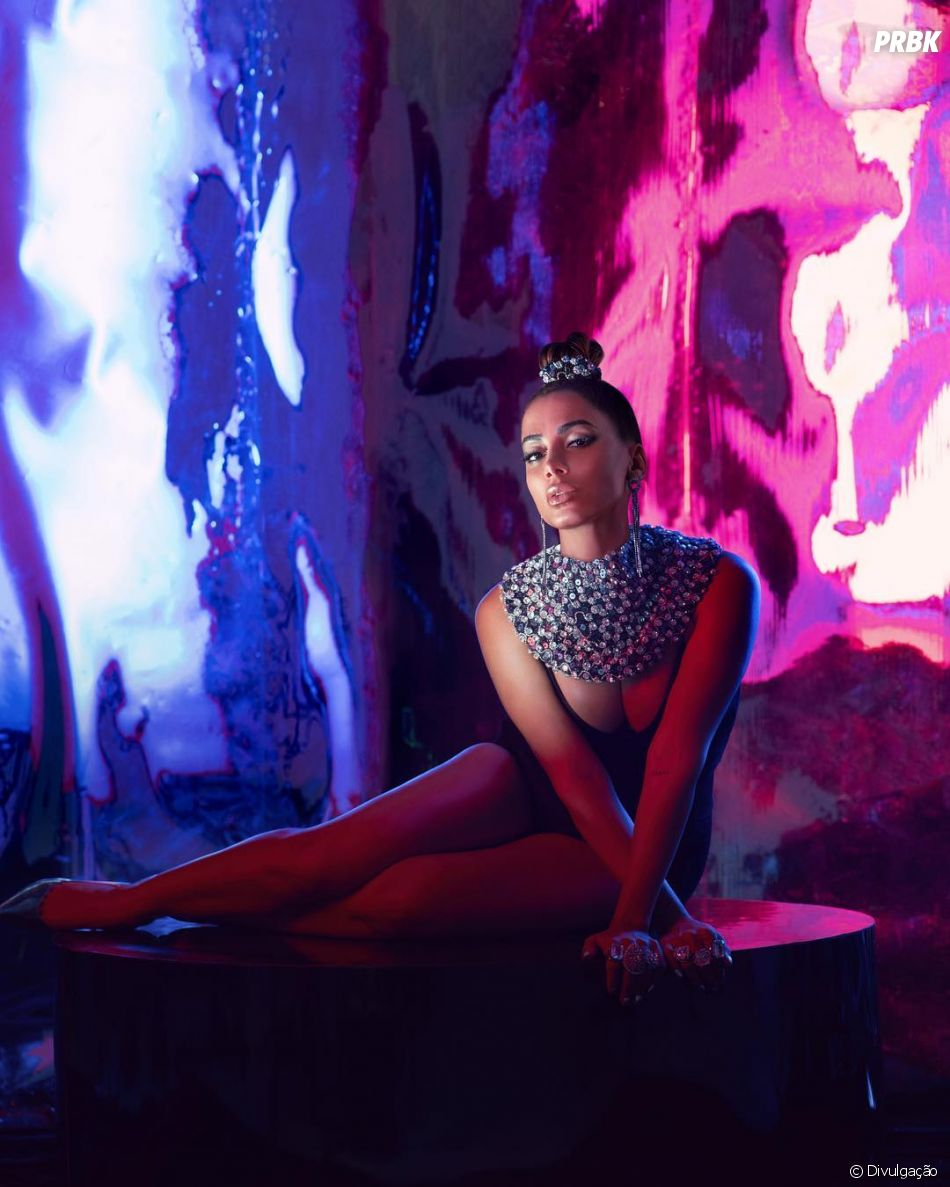 """Anitta vai lançar """"Kisses"""", álbum visual com dez faixas em abril"""