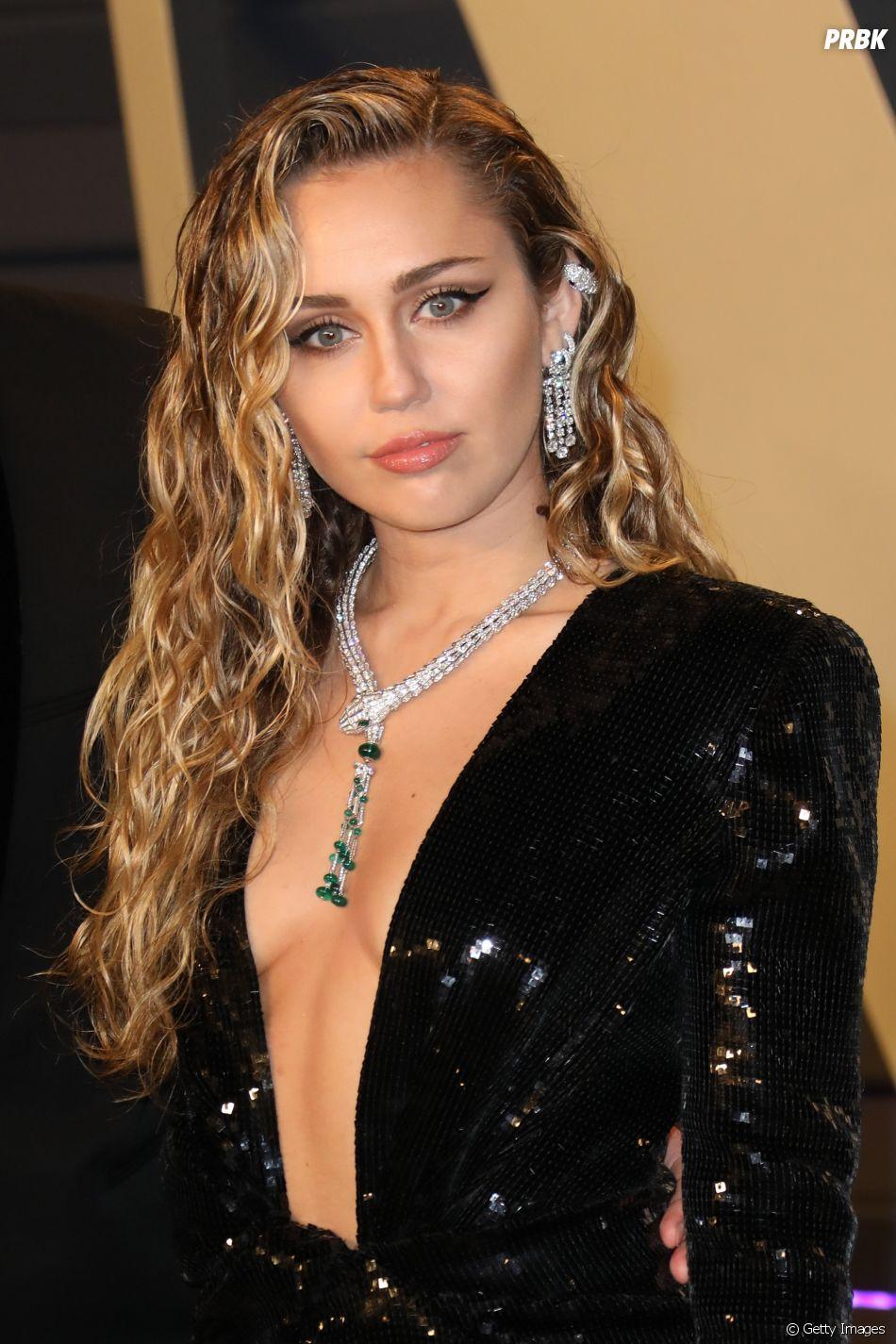 Miley Cyrus merece os fãs que tem!