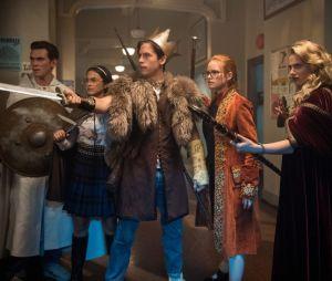 """""""Riverdale"""": protagonistas tentavam descobrir quem estava por trás do Rei Gárgula"""