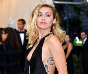 """Black Mirror"": Miley Cyrus aparece no primeiro teaser da 5ª temporada"