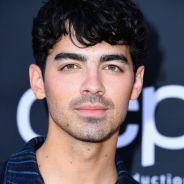 O Joe Jonas é muito fofo e este vídeo dele cantando com os fãs na França é a prova disso!
