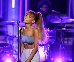Uma abóbora de 20 quilos foi o presente mais inusitado que Ariana Grande já recebeu