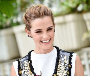 """Emma Watson já tem mais de 20 bíblias na sua casa que ganhou na época de """"Harry Potter"""""""
