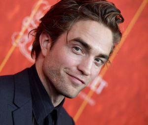 Robert Pattinson recebeu milhares de palitos de dente para parar de fumar. Se eles não estavam usados, até que foi legal, né?