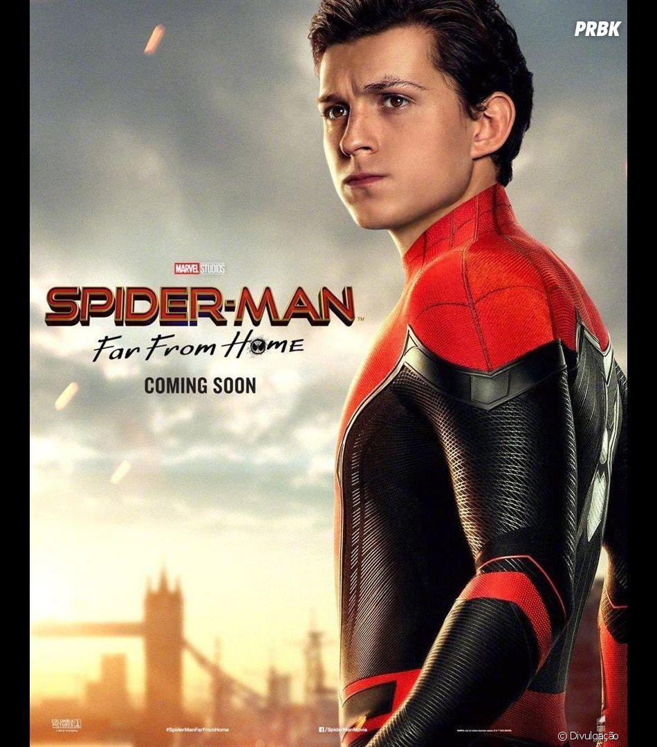 """Peter Parker (Tom Holland) sofre nas mãos de Mysterio (JAke Gyllenhaal) em""""Homem-Aranha: Longe de Casa"""""""