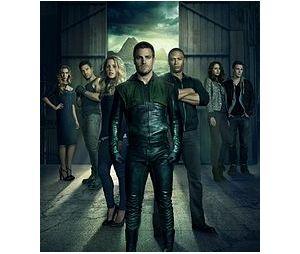 """De """"Arrow"""": você vai se emocionar com as mensagens dos atores do Arrowverso para Stephen Amell"""