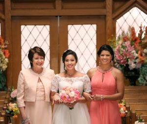 """As três mulheres de gerações diferentes são a base central da série """"Jane the Virgin"""""""