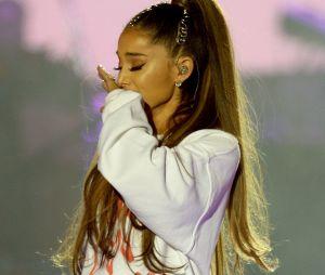 Ariana Grande cancelada? Cantora faz piada de mal gosto e fãs reclamam