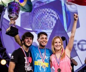 """Campeão do Campeonato Mundial de """"Just Dance"""" é brasileiro"""