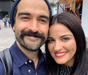 Alfonso Herrera diz que pode ficar anos sem ver Maite Perroni que o carinho não muda
