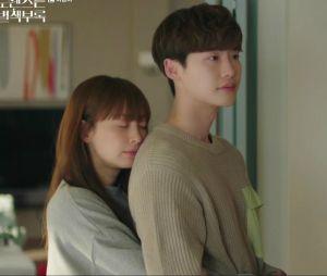 """""""Romance is a Bonus Book"""" tem tantas coisas acontecendo nos episódios que a gente até esquece de torcer porDan-i (Lee Na-young) e Eun-Ho (Lee Jong-suk)"""