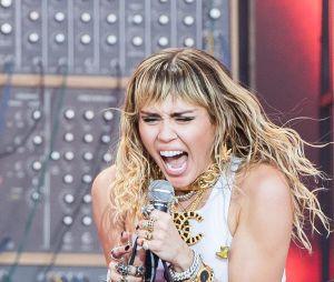 Miley Cyrus se afasta dos palcos para se recuperar de cirurgia