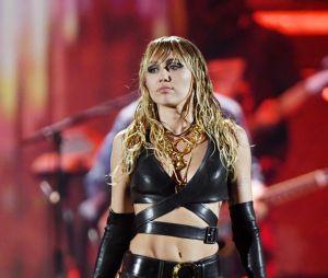 Miley Cyrus deve lançar seu álbum ainda em novembro, mesmo após cirurgia