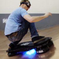 "Tony Hawk aprende a andar no Hoverboard, o skate de ""De Volta Para o Futuro"""