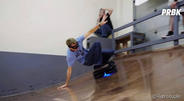 Tony Hawk arrisca algumas manobras no Hoverboard