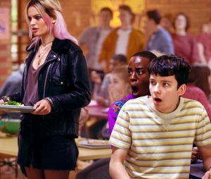"""""""Sex Education"""": fãs torcem para que Maeve (Emma Mackey) e Otis (Asa Butterfield) fiquem juntos na 2ª temporada"""