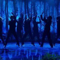 """O BTS arrasou na primeira performance ao vivo de """"Black Swan"""" e a internet ainda não superou"""
