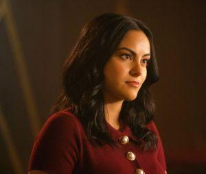 """""""Riverdale"""": Veronica (Camila Mendes) vive tendo problemas com sua família"""